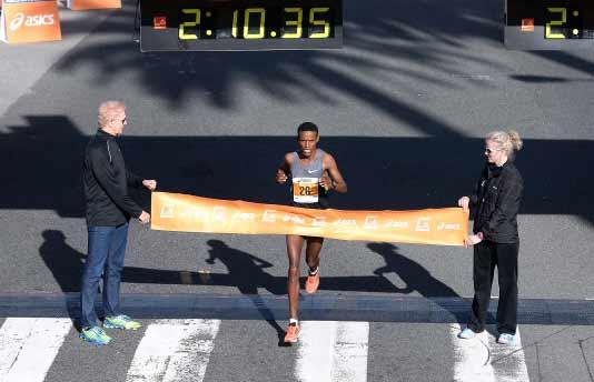 la-marathon-2014-burka-winner