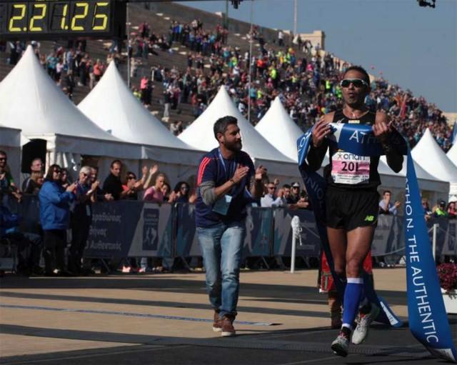 athen-marathon-2015-winner