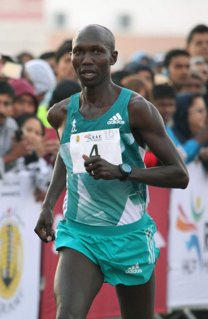 rak-hm-2016-finish-kipsang