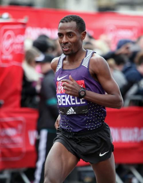 london-mar-2016-bekele-finish