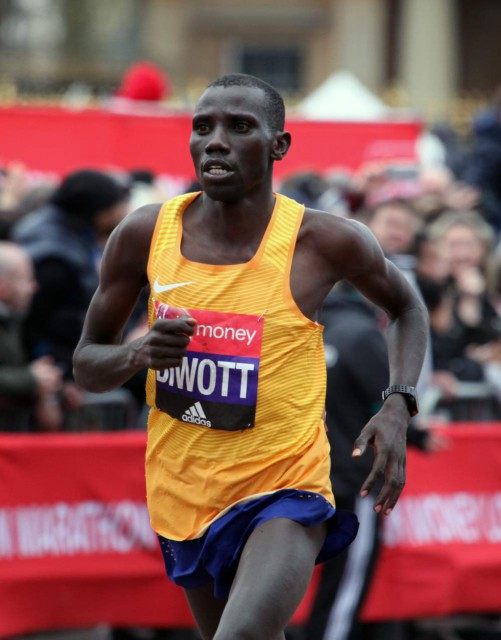 london-mar-2016-biwott-finish