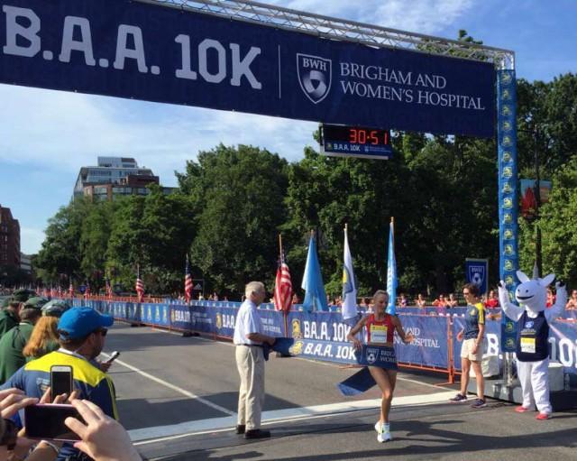 boston-10k-2016-flanagan-winner