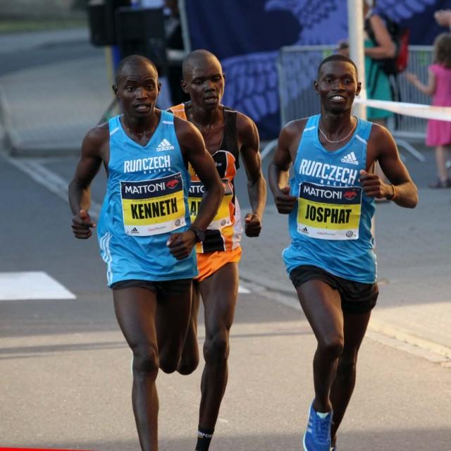olomouc-half-2017-vor10km-leaders