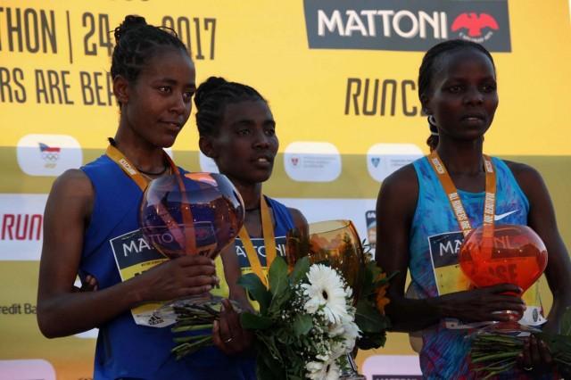 olomouc-half-2017-winners-ceremony-wm