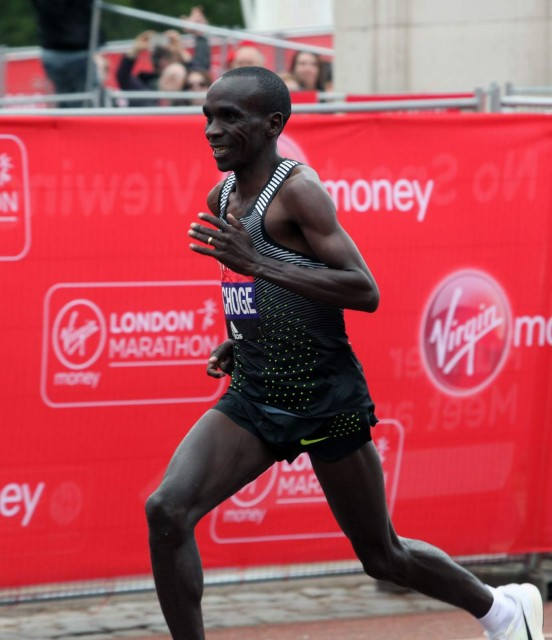 london-mar-2016-kipchoge-finish