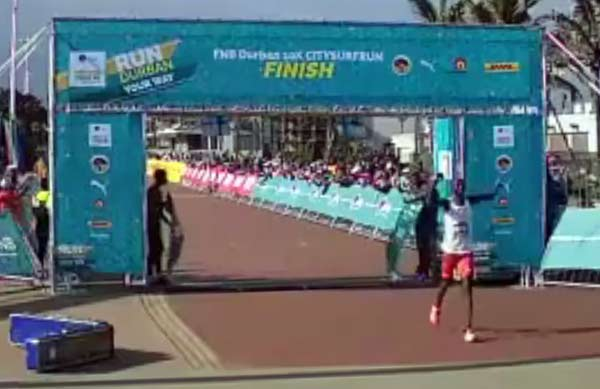 durban-fnb-10k-finish-cheptegei